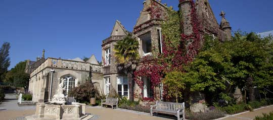 swansea-uni-singleton-abbey ©www.swansea.ac.uk:the-university